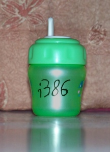 Bottle with 'i386' on it